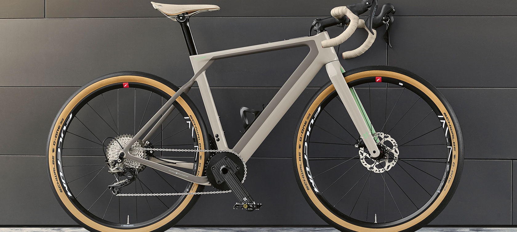 The picture shows the 3T for BMW Gravelbike.